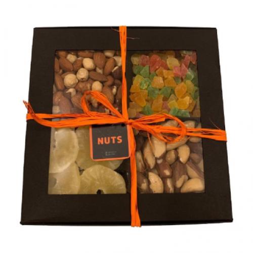 Подарочный набор, микс из орехов и цукатов